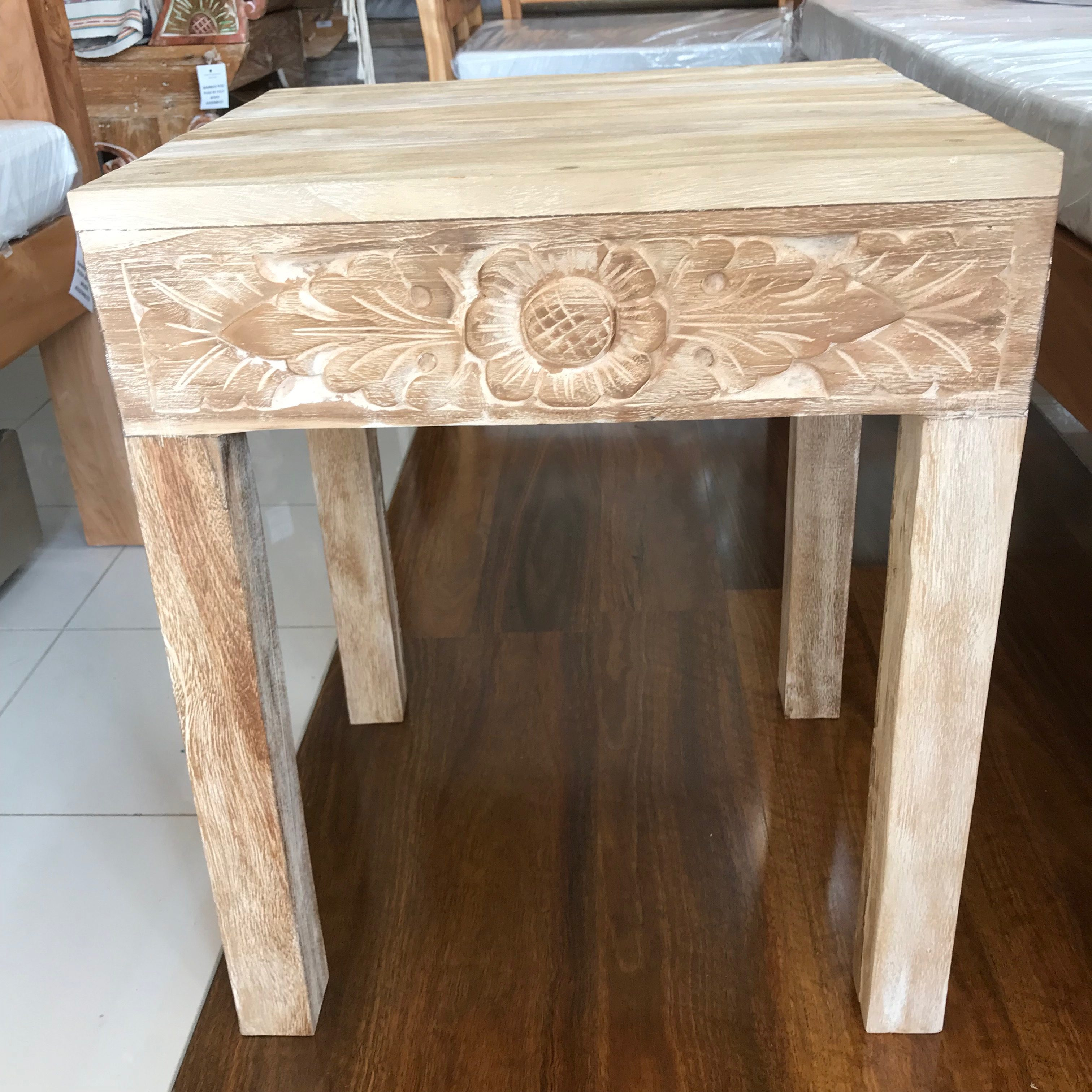 Teak carved side coffee Table small ⋆ That Bali Shop